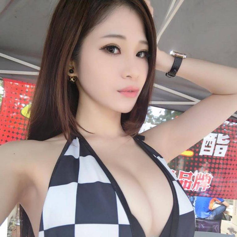 Cat Sung Hot Taiwanese racequeen with a FINE figure